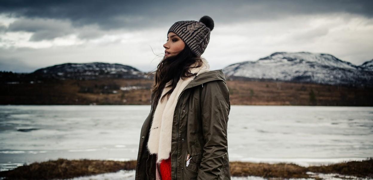 Barts HW2016 Woman at the lake