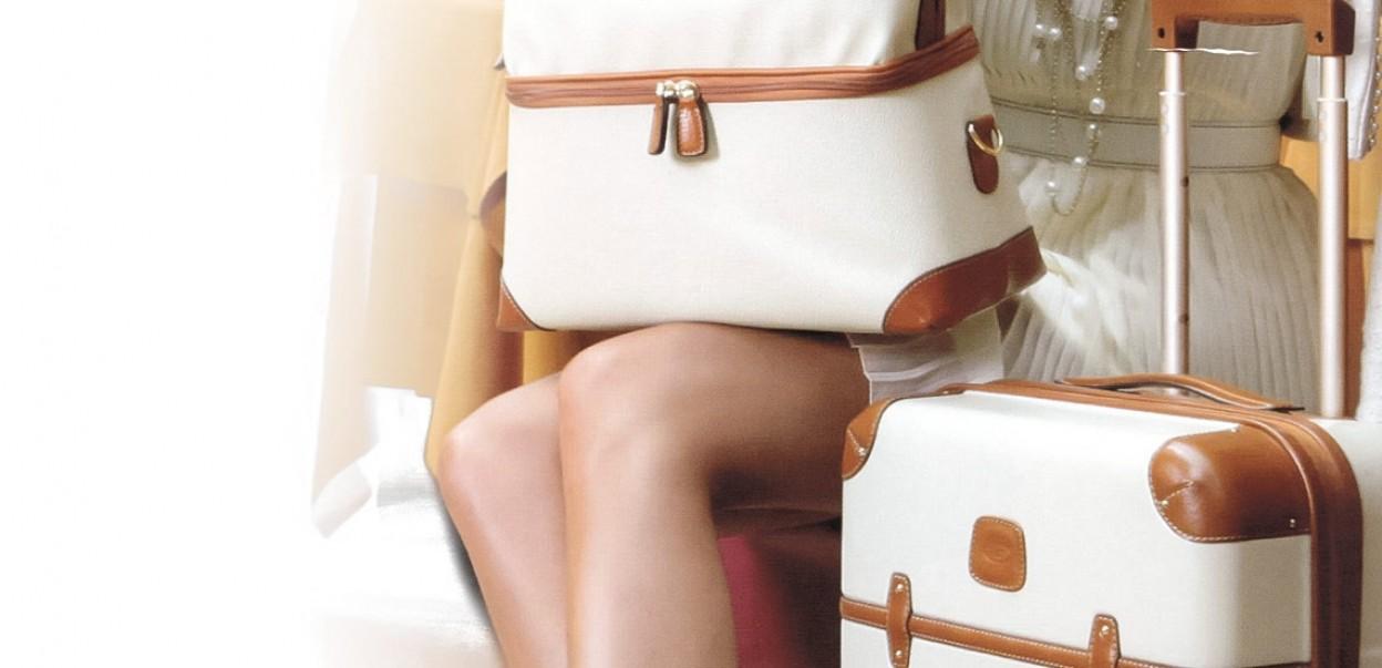 Bric's - Sempre Buon Viaggio - Woman in Skirt