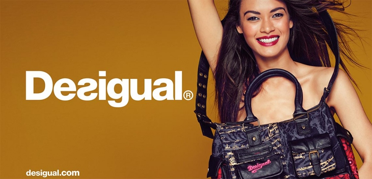 Desigual - Woman with Bag