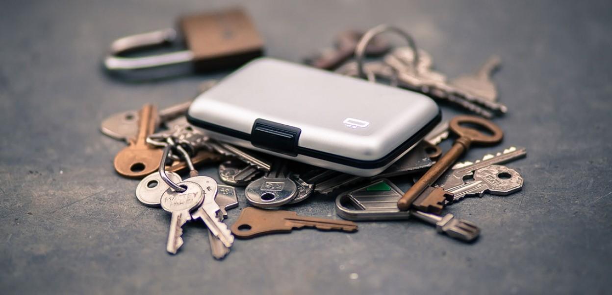 Ögon - smart wallets - Auf Schlüsseln gebettet